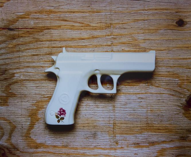 Art Gun (20x24 cibachrome)